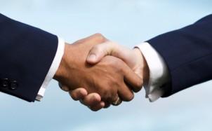 קורס משא ומתן - לחיצת ידיים עסקית